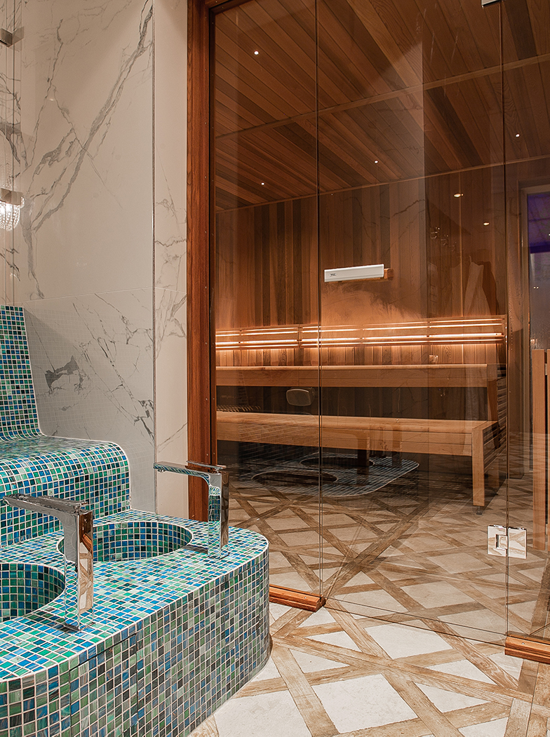 Sauna and foot bath